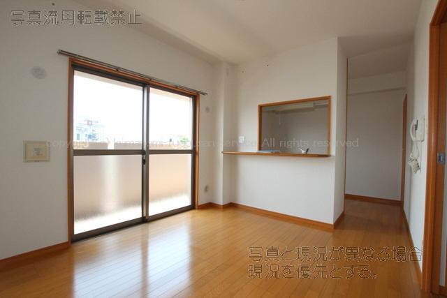 物件番号: 1025103801 パルデンスエコノ2  日田市田島1丁目 3LDK マンション 画像2