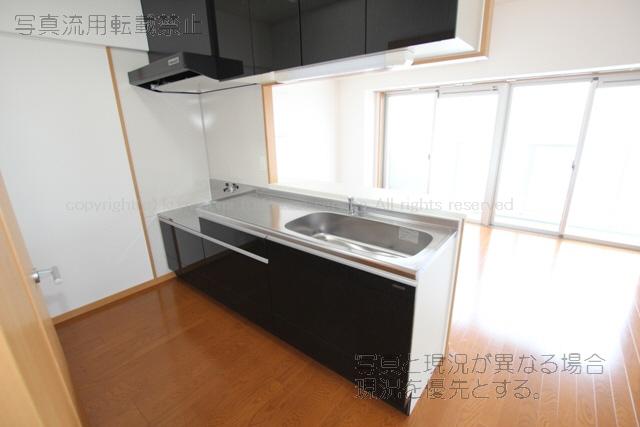 物件番号: 1025103248 パルデンスエコノ7  日田市中央2丁目 4LDK マンション 画像2